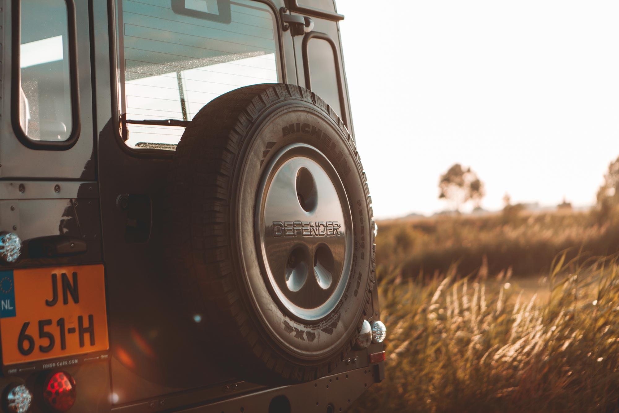 Land-Rover-Defender-Sun-Photo